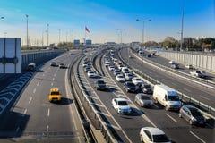 Autostrada Yenikapi Istanbuł & ruch drogowy zdjęcia stock