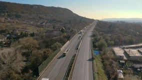 Autostrada z ruchem drogowym zbiory