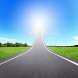 Autostrady droga iść up jako strzała Obrazy Royalty Free