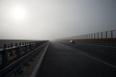 Autostrady mgła Zdjęcie Royalty Free
