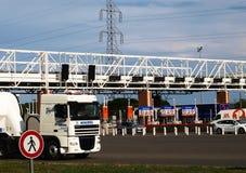 Autostrady opłaty drogowa brama na Francja obraz stock