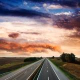 Autostrady ruch drogowy na letnim dniu Obraz Royalty Free
