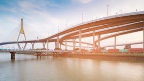 Autostrady skrzyżowanie łączy zawieszenie most Obraz Royalty Free