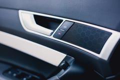 Autotürgriffe und elektrisches Detail, zentrale Blockierung Lizenzfreies Stockbild