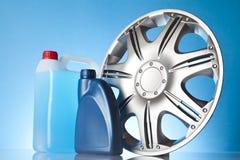 Autotoebehoren met de vloeistof en de motorolis van de windschermwasmachine, Stock Foto