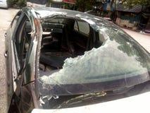 Autounfall im Kirchhofgrab Stockfotos