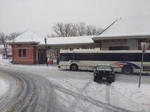 Autounfall verursacht durch Schnee und Eis, Winter-Wetter, raues Wetter, USA stockfoto