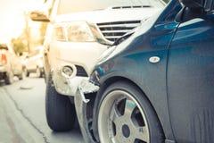 Autounfall vom Autounfall auf der Straße Stockbilder