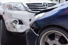 Autounfall vom Autounfall auf der Straße Lizenzfreies Stockbild
