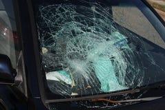 Autounfall-Windschutzscheiben-Trümmer Stockbild