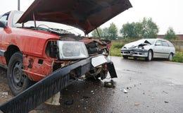 Autounfallzusammenstoß in der städtischen Straße Stockfoto