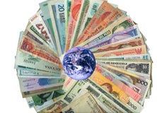 autour du monde de papier de devises de billets de banque Photos stock