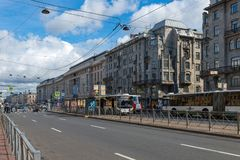 Autoverkeer op Ligovsky Prospekt Stock Afbeelding