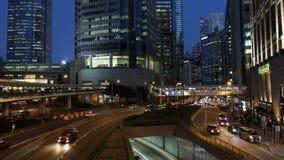 Autoverkehr an der Hauptverkehrszeit im zentralen Bezirk von Hong Kong stock footage