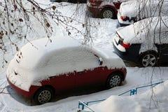 Autoverschneiter winter Lizenzfreie Stockfotos
