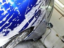 Autowasserette bij het benzinestation De dienst en behoud van vervoer Details en close-up royalty-vrije stock foto's