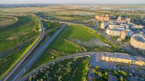 Autoweg dichtbij de stad Bataiysk Rusland Het gebied van Rostov Stock Foto