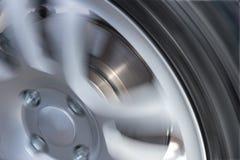 Autowiel en de close-up van de remschijf Stock Foto