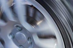 Autowiel en dichte omhooggaand van de remschijf Stock Foto's