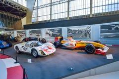AUTOWORLD muzeum, stara samochód kolekcja pokazuje historię samochody od początku Bruksela BELGIA, GRUDZIEŃ - 05 2016 - Zdjęcia Stock