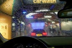 Autowäsche durch ein Fenster Stockfotografie