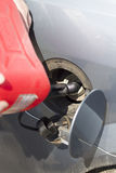 Autozusammenbruch Kein Brennstoff Addieren des Brennstoffs Stockbild