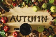 Autum надписи написанное чаем стоковые фото