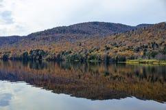 Autumn Adirondack Lake Water Reflections nessun 13 Fotografia Stock Libera da Diritti