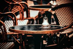 Autumn Cafe: ospiti aspettanti fotografia stock