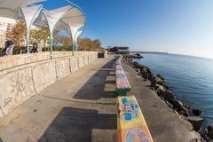 Autumn Cafe sul lungomare di Mar Nero in Pomorie, Bulgaria Fotografia Stock