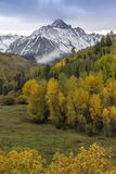 Autumn color leads to Mount Sneffels and San Juan Mountains in A. September 23, 2017 - Autumn color leads to Mount Sneffels and San Juan Mountains in Autumn stock photos
