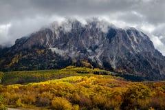 Autumn Color sul passaggio di Kebler vicino alla collina crestata Colorado fotografie stock