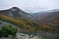 Autumn Crimea berg royaltyfria foton