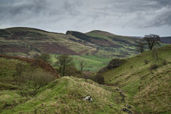 Autumn Fall bygdlandskap av den Derwent dalen i maximala Dist royaltyfri foto