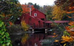 AUTUMN-FALL- couleurs d'automne dans le Connecticut historique images stock