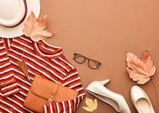 Autumn Fashion Lady Clothes Set Sidor Tappning Arkivfoton