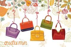 Autumn Fashion Los bolsos y las hojas de las mujeres Fotos de archivo libres de regalías