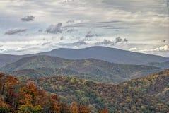 Autumn Foliage colorido en Rolling Hills Imagen de archivo libre de regalías