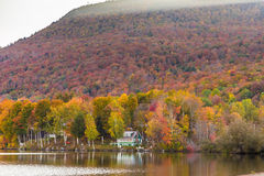 Autumn foliage in Elmore state park, Vermont Royalty Free Stock Photos