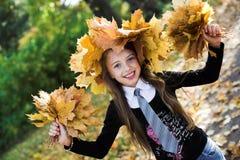autumn girl park стоковое изображение rf