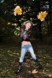 autumn girl park стоковое изображение