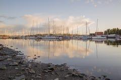 Autumn Harbor e barche fotografia stock