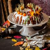 Autumn Harvest Banana Bundt Cake Arkivfoto