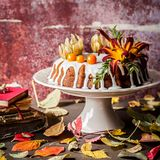 Autumn Harvest Banana Bundt Cake Royaltyfri Foto