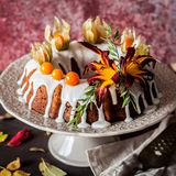 Autumn Harvest Banana Bundt Cake Royaltyfria Bilder
