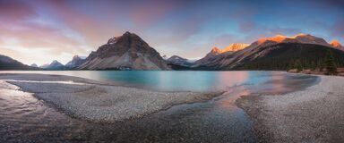 Free Autumn In The Mountains Near Bow Lake Banff National Park Alberta Canada Bow Lake Panorama Reflection With First Snow In Mountains Royalty Free Stock Images - 175018629