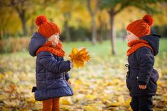 Autumn Kids Fotografia Stock Libera da Diritti