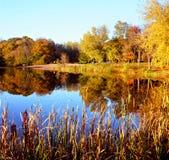 Autumn Lake Reflections - Minnesota Fotografering för Bildbyråer