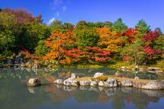 Autumn at the lake of tenryu-ji temple Stock Images