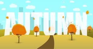 Autumn Landscape avec un champ, arbres, ciel, ville à l'arrière-plan Images libres de droits
